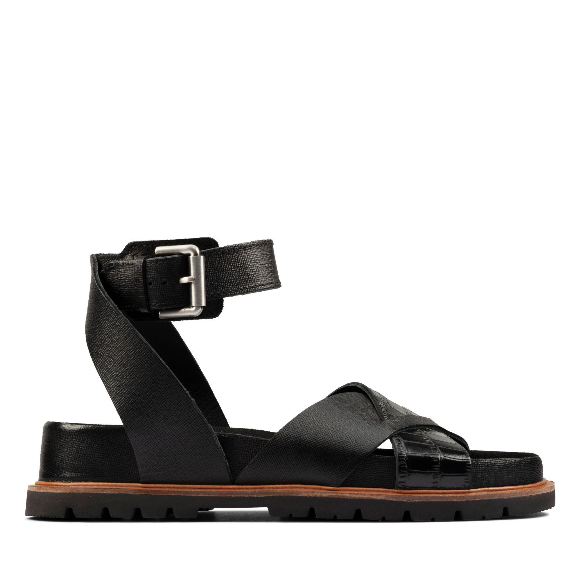 Clarks Orianna Cross – Leather