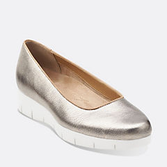 Daelyn Towne Gold Metallic Leather womens-artisan