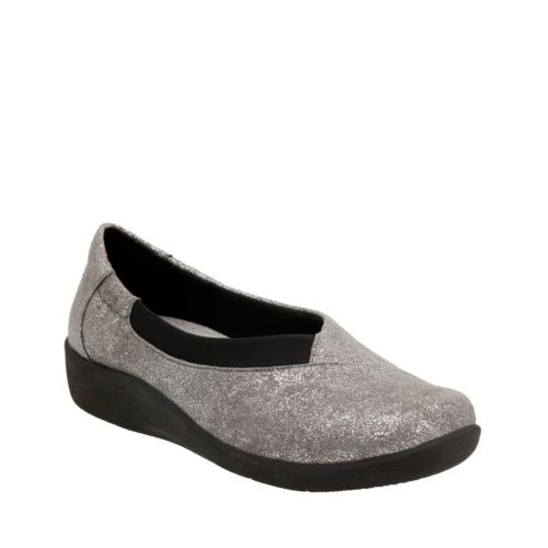Sillian Jetay Silver Metallic Synthetic womens-ortholite