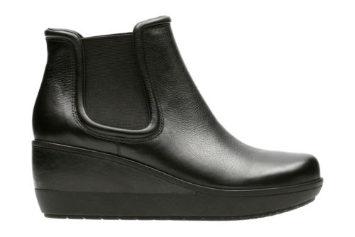 Wynnmere Mara Black Leather womens-ankle-boots