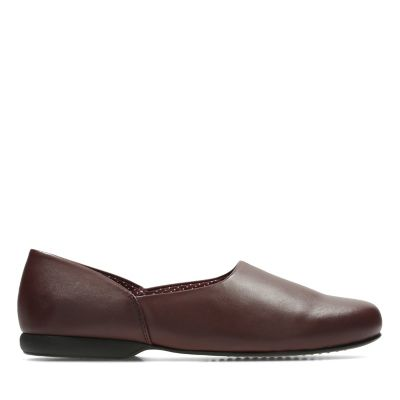 3d0b37a5559 Harston Lounge. Mens Slippers. Burgundy Leather