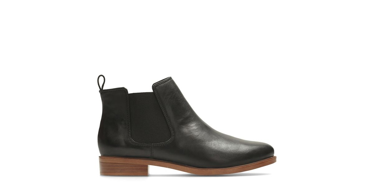 1c63e12fa2882 Taylor Shine Black Leather | Clarks
