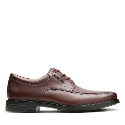 3278bad04034 Mens Wide Shoes - Clarks Official Site