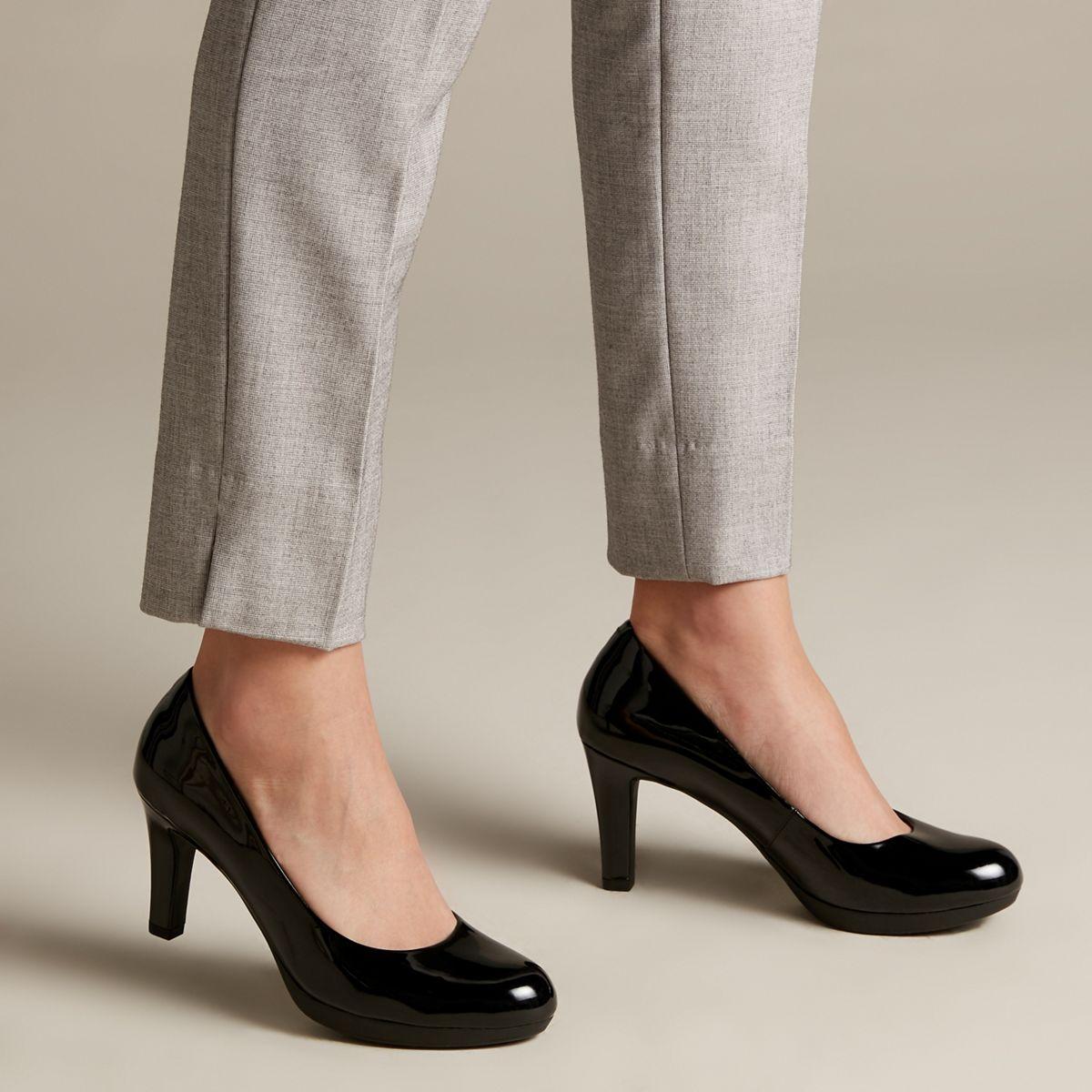 Clarks Damen Adriel Viola Pumps, Schwarz (Black Leather
