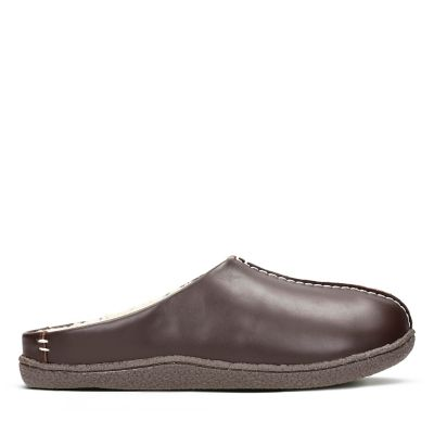 22a4dffe018 Relaxed Style. Mens Slippers. Brown Leather