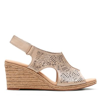 12c009226b85 The Most Comfortable Sandals for Women - Clarks® Shoes Official Site