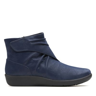 Clarks CLOUDSTEPPERS</p>                     </div>   <!--bof Product URL --> <!--eof Product URL --> <!--bof Quantity Discounts table --> <!--eof Quantity Discounts table --> </div>                        </dd> <dt class=