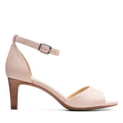 7148fad762a Nude Sandals