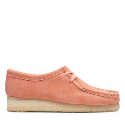 d8ea76a07 Wallabee. Womens Originals Shoes. Coral Suede