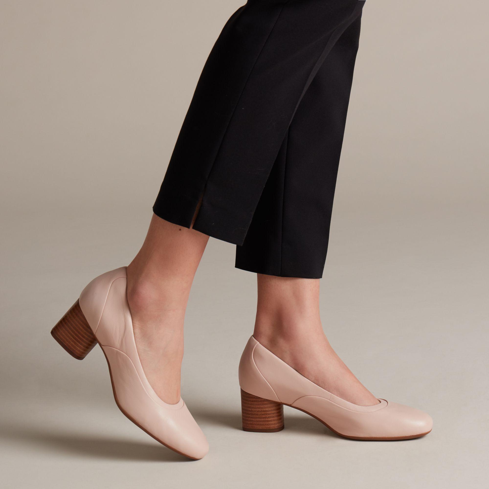 超级舒服好穿的Clarks鞋子黑五早闪购低至$24+免运费!