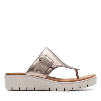 dfd8bc8d0352 The Most Comfortable Sandals for Women - Clarks® Shoes Official Site