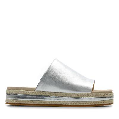 525ebcaeff6 Gold   Silver Sandals
