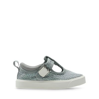 8cf04786fccb Girls Canvas Shoes