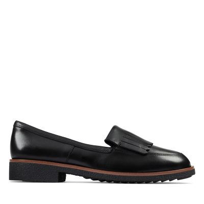 Clarks Women's Griffin Kilt Loafer (Black)