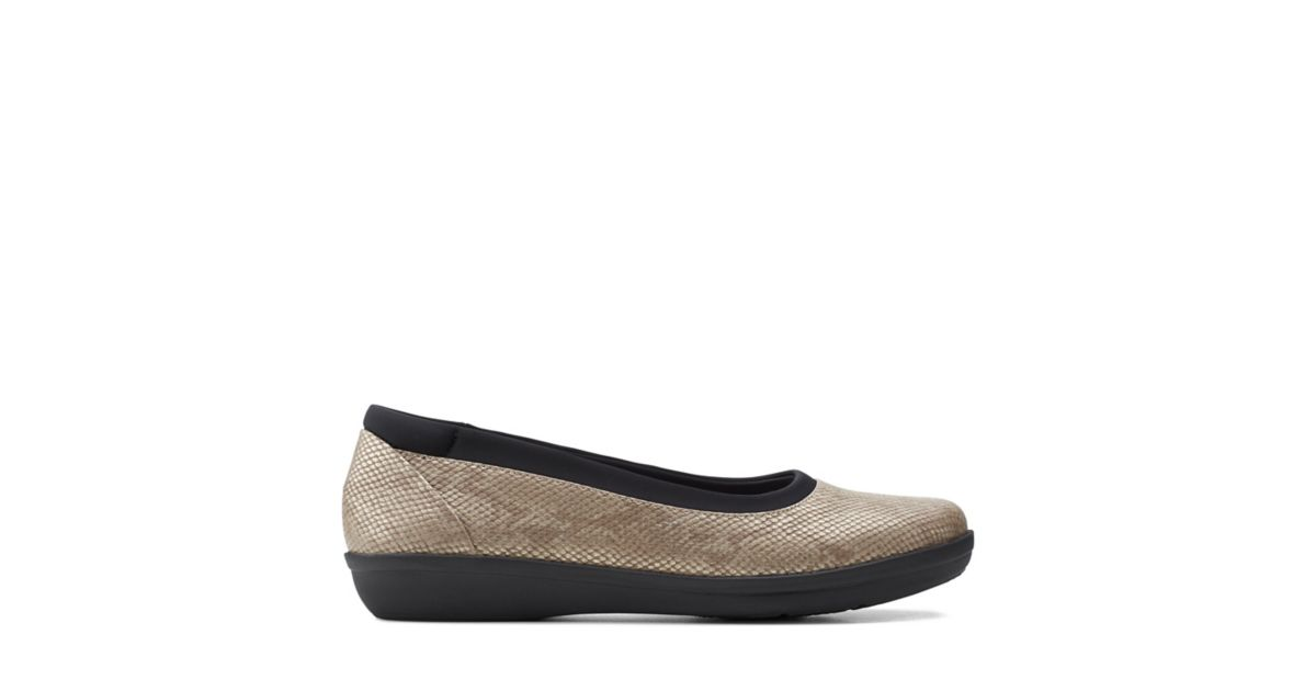 Clarks Ayla Low Taupe