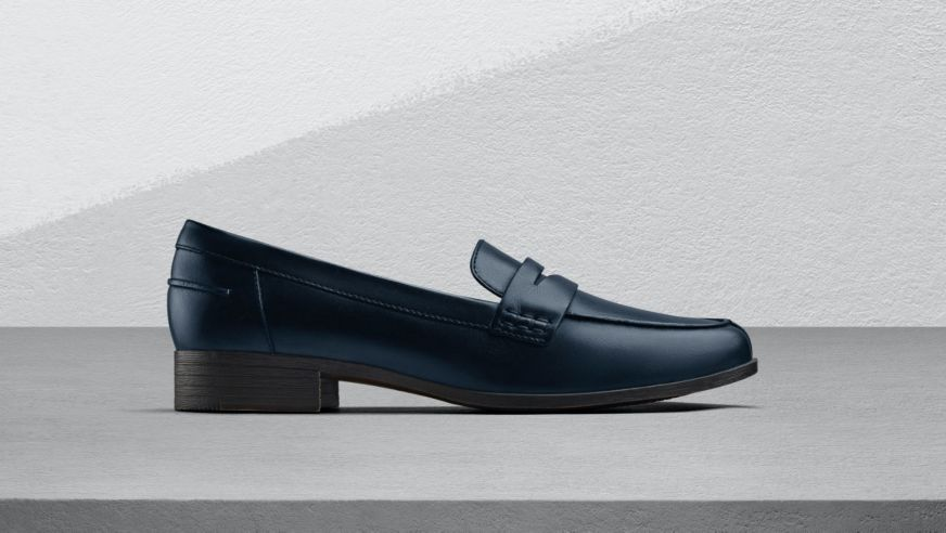 Clarks Hamble Loafers in Navy