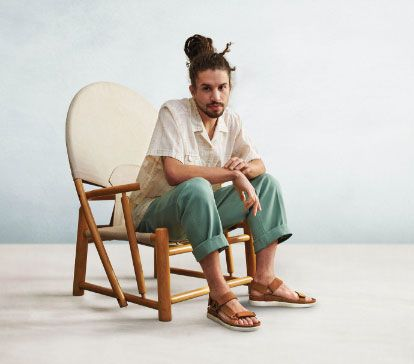 Male model wearing clarks summer sandals