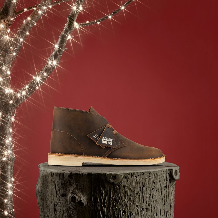 Shop Mens Originals- Mens Desert Boot in Beeswax