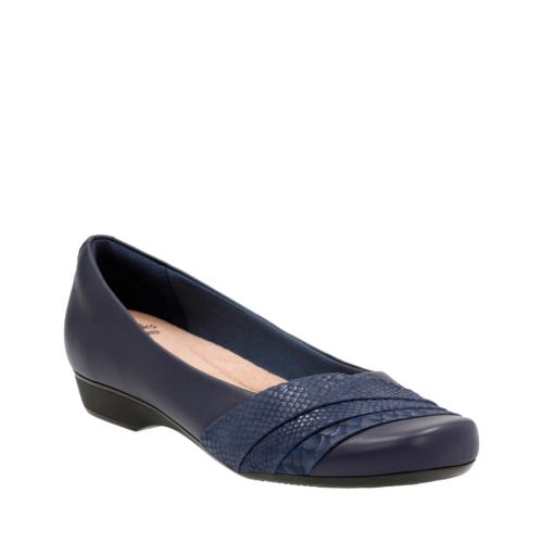 Women's Wide Width Shoes - Clarks® Shoes Official Site