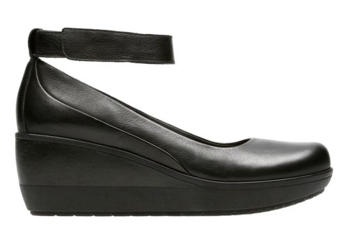 Wynnmere Fox Black Leather womens-wide-width