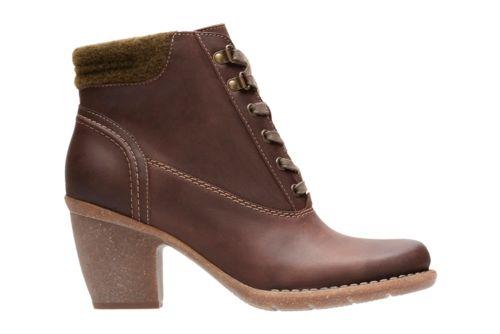 Carleta Crane Dark Tan Nubuck Women S Wide Width Shoes